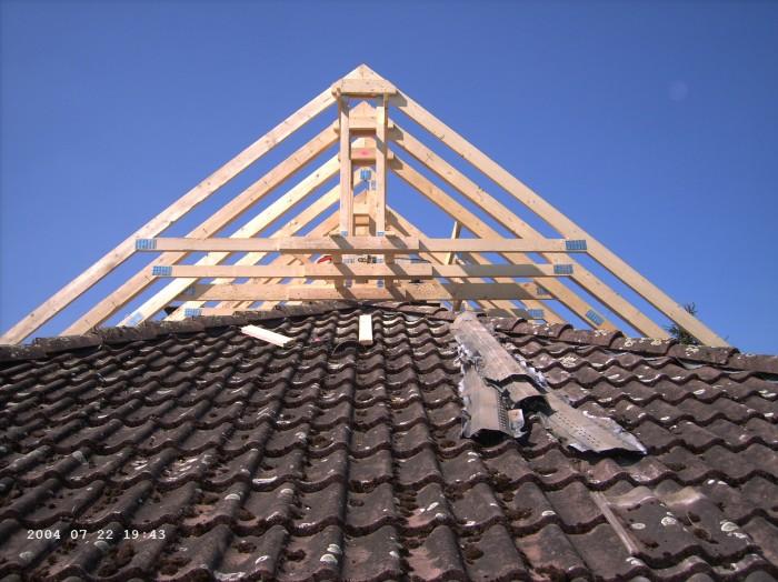 Sur l vation de toiture agrandir for Rehaussement de toiture